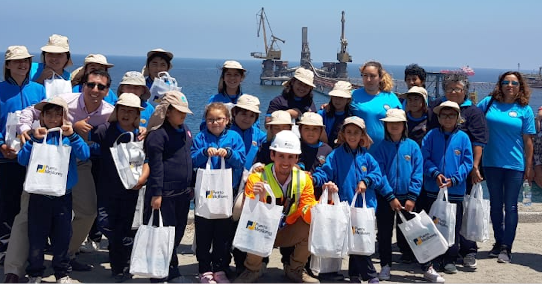 Alumnos de la Escuela Lucila Godoy Alcayaga de Michilla visitaron Puerto Mejillones