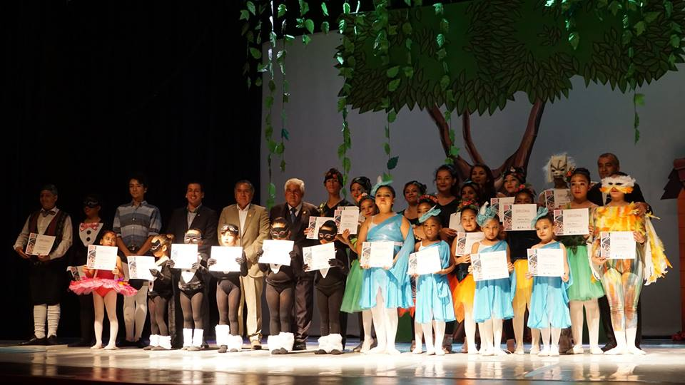 Escuela de Ballet Mejillones finalizó su sexto año con emocionante gala artística