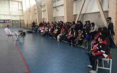 Horacio de la Peña dicta charla motivacional a alumnos de la Escuela de Tenis Puerto Mejillones